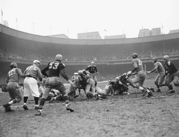 Packers-Giants rivalry frozen in time and space