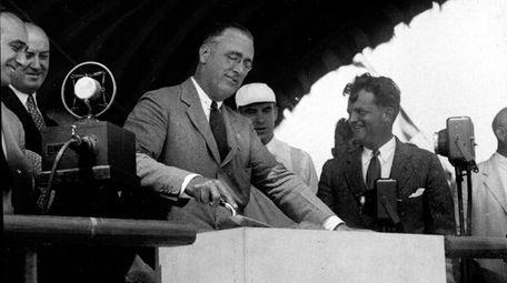 New York Gov. Franklin D. Roosevelt officially lays