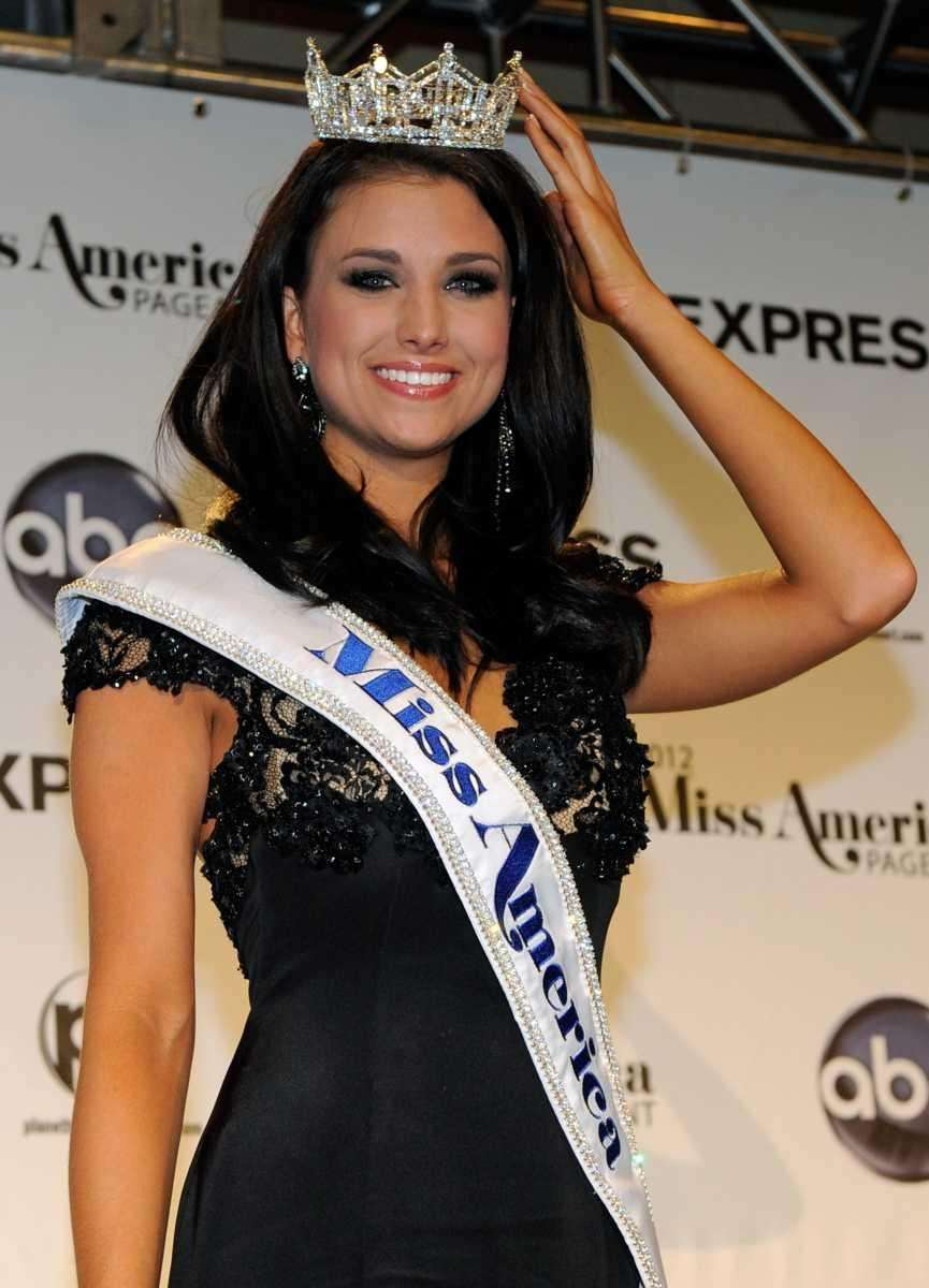 Laura Kaeppeler, Miss Wisconsin, poses being named the
