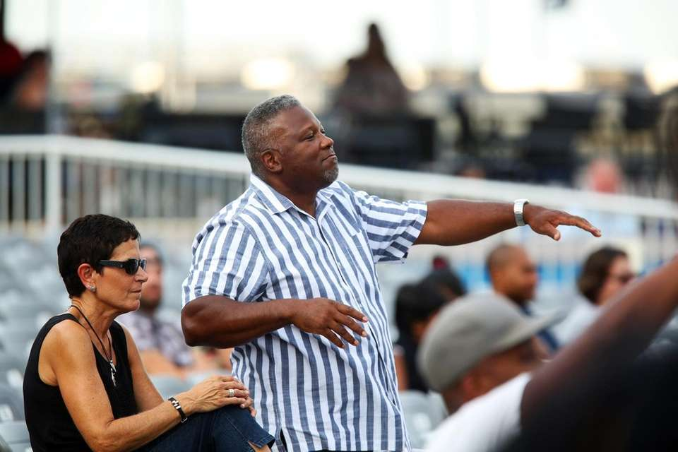Concertgoers get into the groove during the Flo