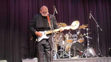 Wendell Holmes played guitar and keyboard during his