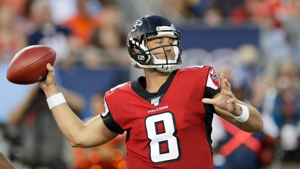 Atlanta Falcons quarterback Matt Schaub passes the ball