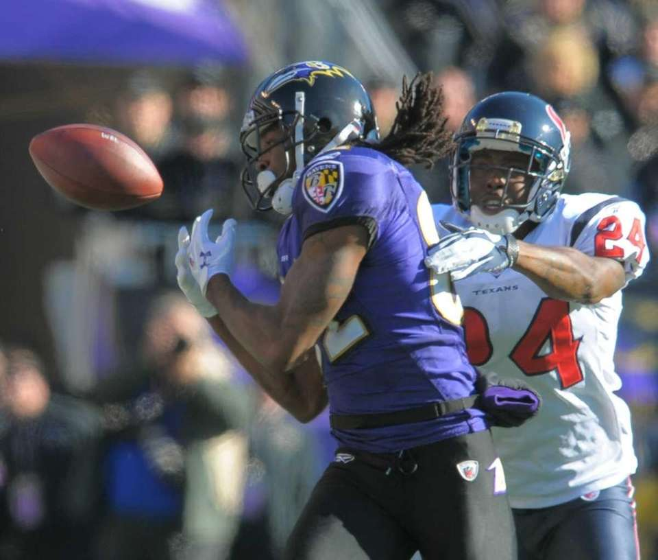 Baltimore Ravens wide receiver Torrey Smith can't hang