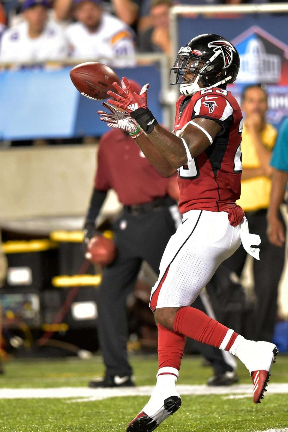 Atlanta Falcons running back Brian Hill catches a