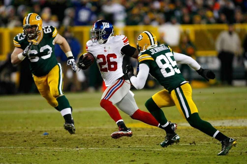 Antrel Rolle of the New York Giants runs