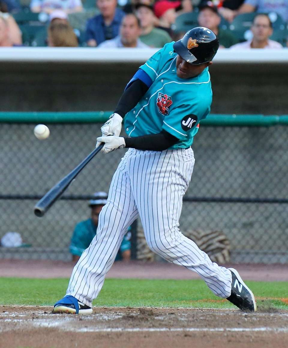 Long Island Ducks Ezequiel Carrera strokes a single