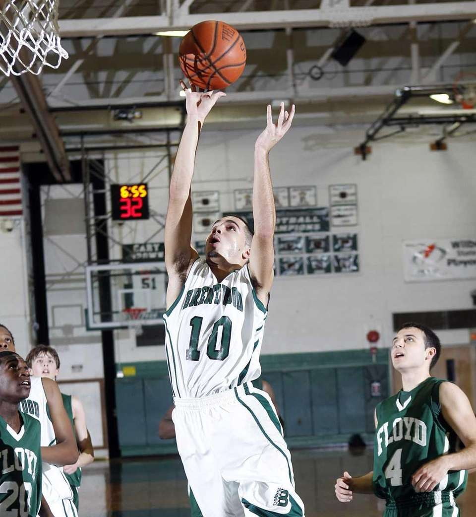 Brentwood's Eric Perdomo hits a jumper off the