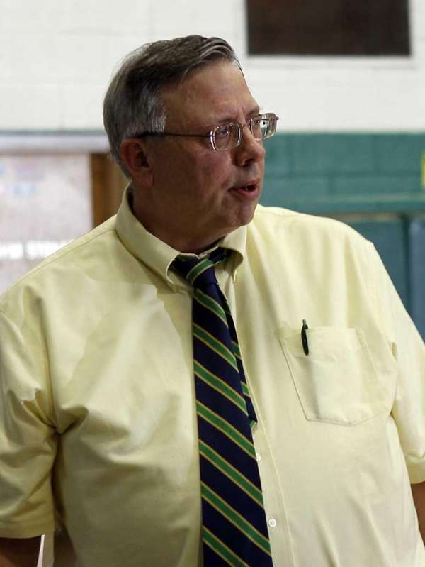 William Floyd boys' basketball varsity head coach Bob