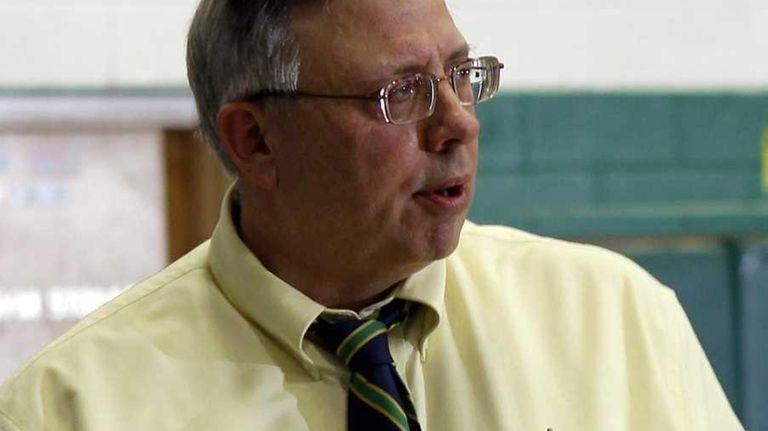 William Floyd boys' basketball varsity head coach Bob