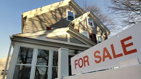 Despite a drop in the 30-year mortgage rate,