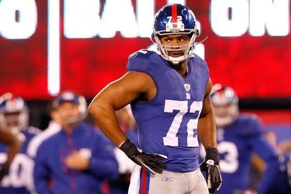Osi Umenyiora #72 of the New York Giants.