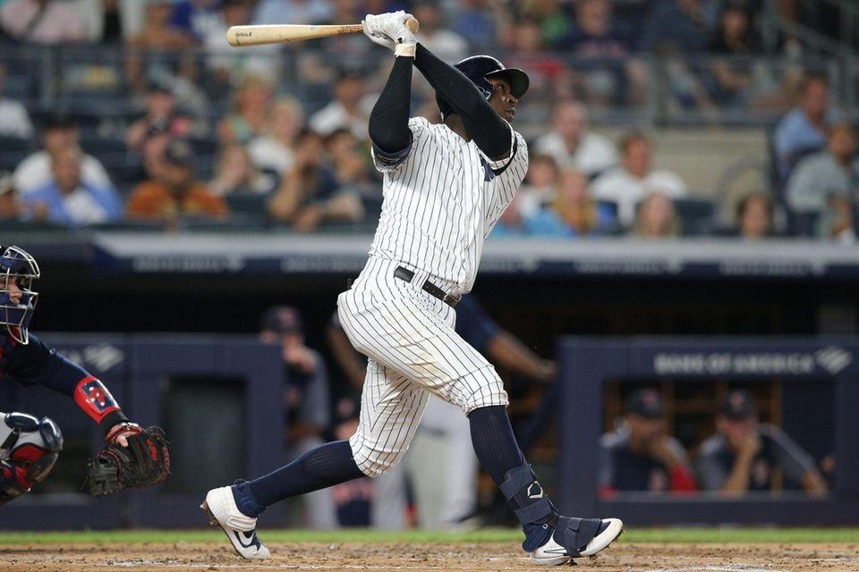 New York Yankees shortstop Didi Gregorius (18) hits