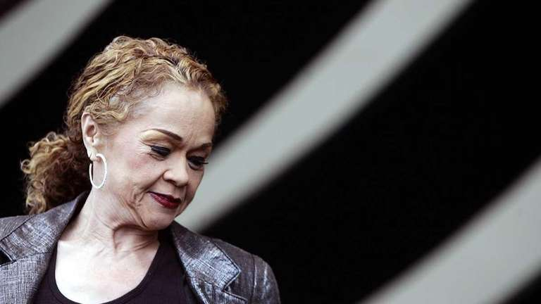 Blues Singer Etta James Dies At 73