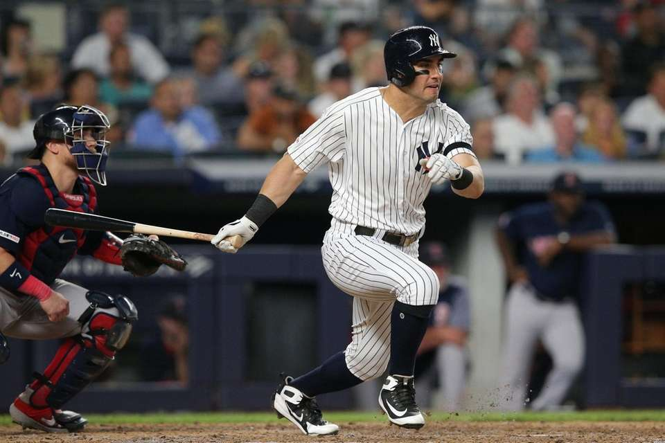 New York Yankees left fielder Mike Tauchman (39)