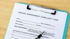 Sexual harassment prevention training for employees should include