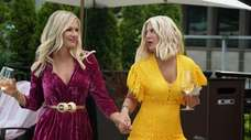 Jennie Garth, left, and Tori Spelling of Fox's