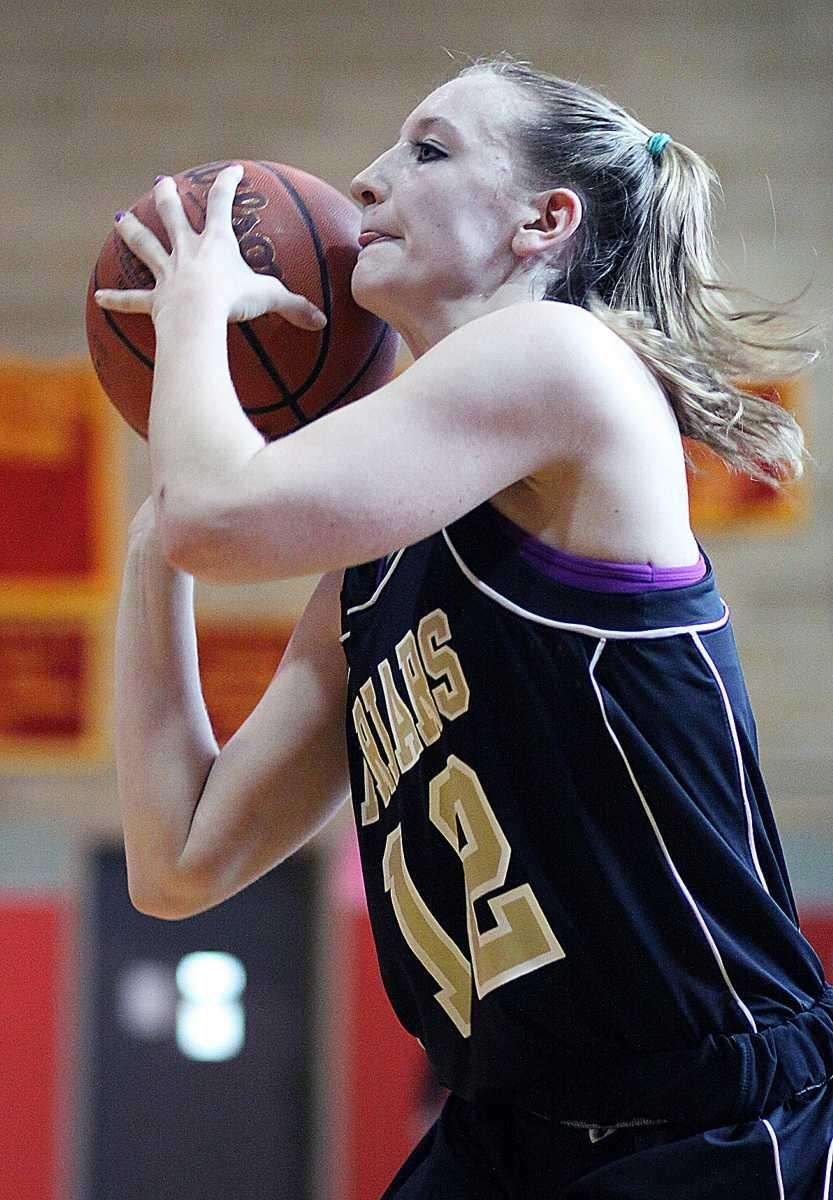 St. Anthony's Rebecca Musgrove prepares to shoot. (Jan.