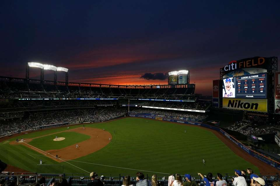 A general view as the Mets play against