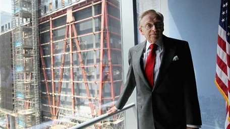 Larry Silverstein needs to find a major tenant