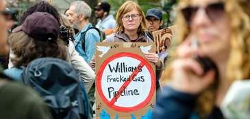 Opponents of the Williams Pipeline protested at City