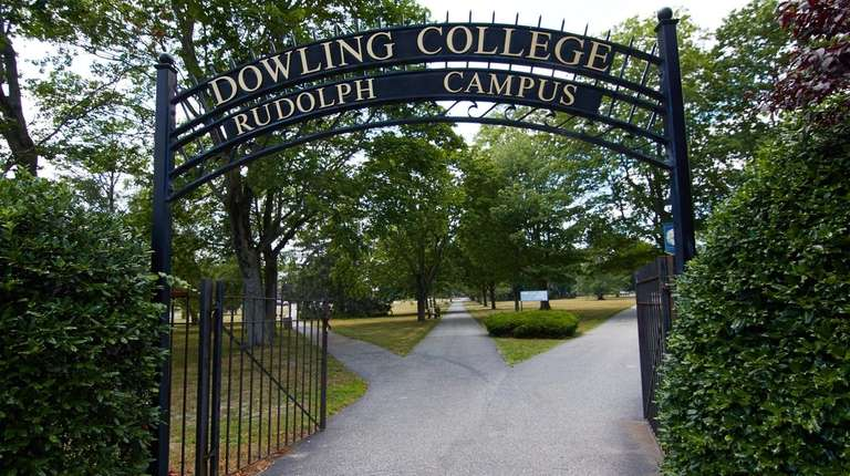 An entrance to the Dowling College campus in