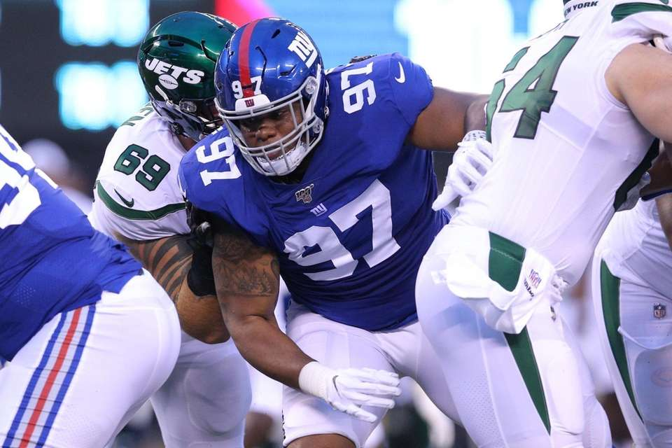New York Giants defensive tackle Dexter Lawrence (97)