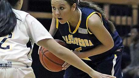 Massapequa's Danielle Doherty looks for an opening. (Jan.