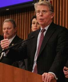 Manhattan District Attorney Cyrus Vance(Jan. 18, 2012)