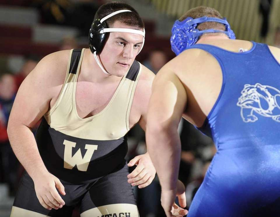 Wantagh's Steve English won his match by decision