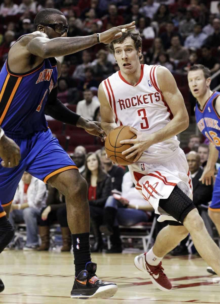 Houston Rockets' Goran Dragic (3) drives the ball