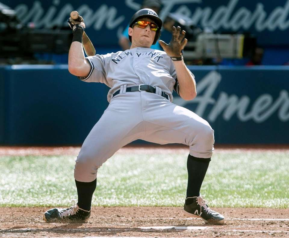 New York Yankees' DJ LeMahieu backed off by