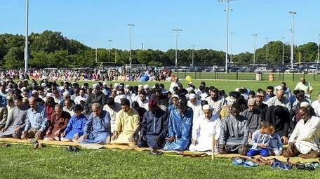 The Islamic Association of Long Island holds Eid