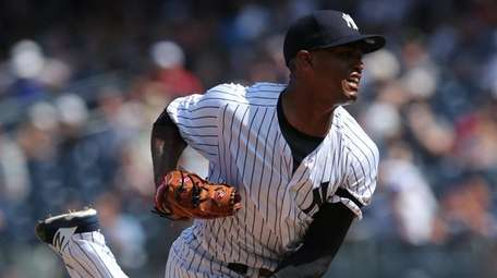 Yankees relief pitcher Stephen Tarpley delivers against the