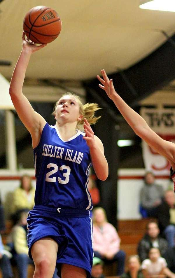 Shelter Island guard Kelsey McGayhey puts in the