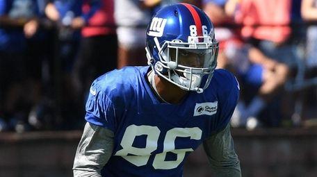 Giants wide receiver Darius Slayton runs a route