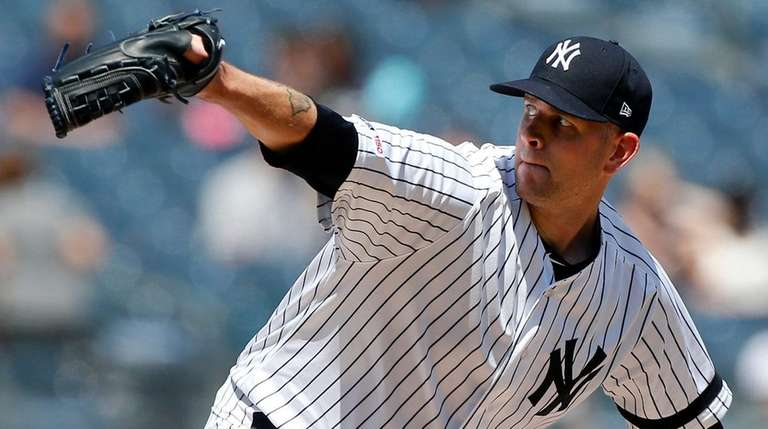 James Paxton gets third straight win for Yankees
