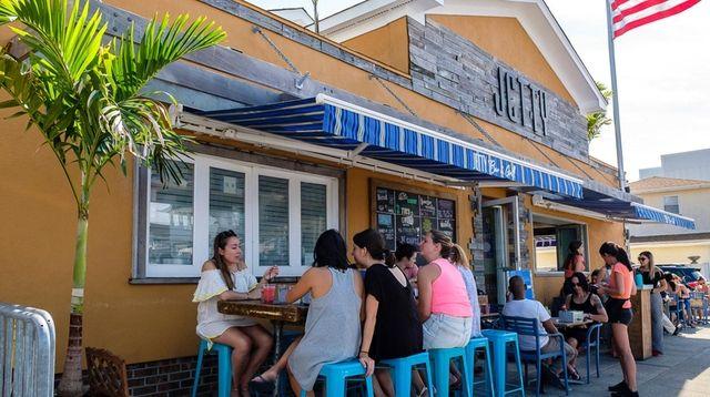 Jetty Bar & Grill on West Beech Street