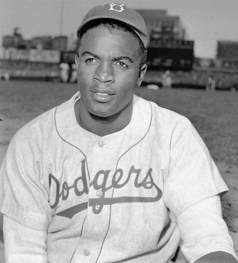 Robinson broke the MLB color barrier in 1947
