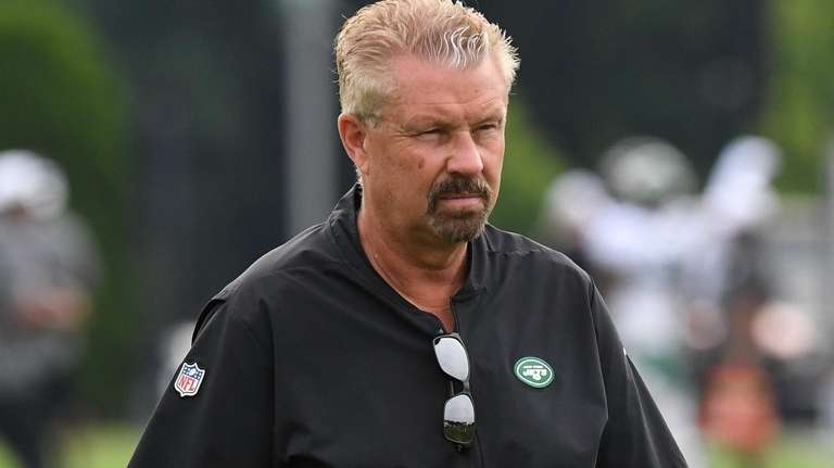 How Gregg Williams plans to keep the Jets' defensive line fresh this season