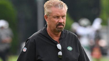 Jets defensive coordinator Gregg Williams looks on during