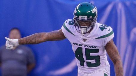 Jets defensive back Rontez Miles lines up for