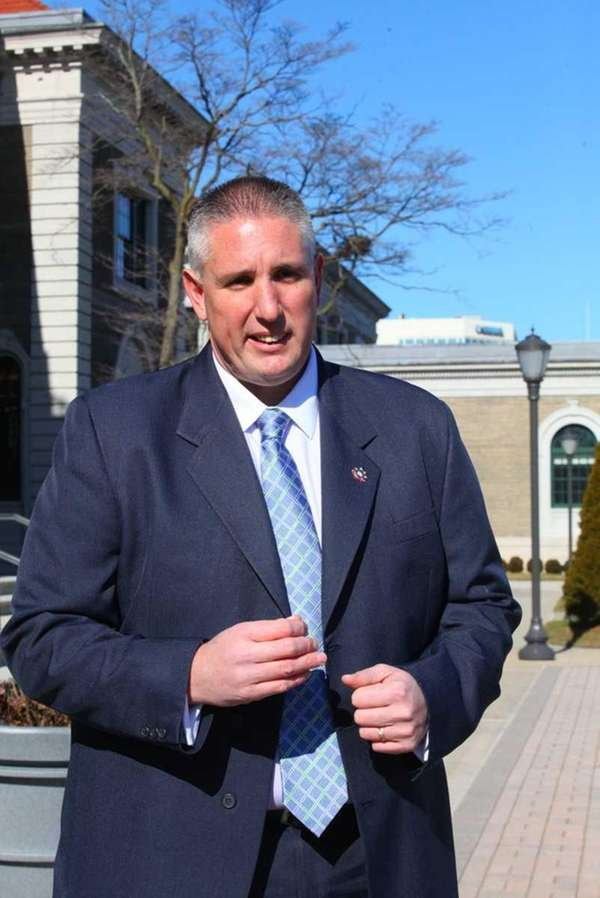Nassau County Sheriff Officers Association President John Jaronczyk