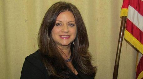 Linda Rozzi, superintendent of the Babylon school district.