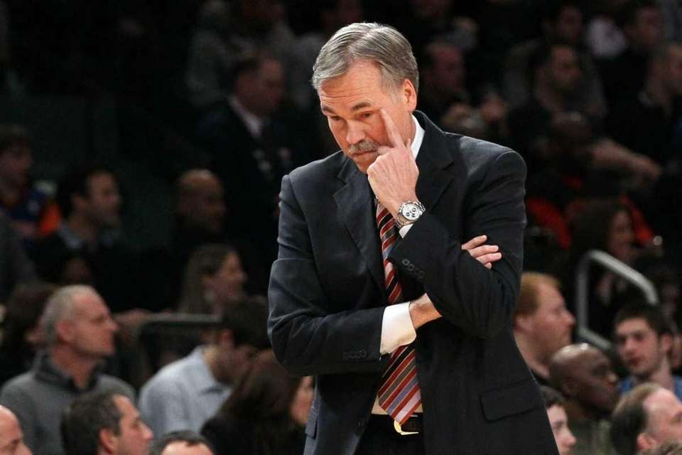 Mike D'Antoni of the New York Knicks looks