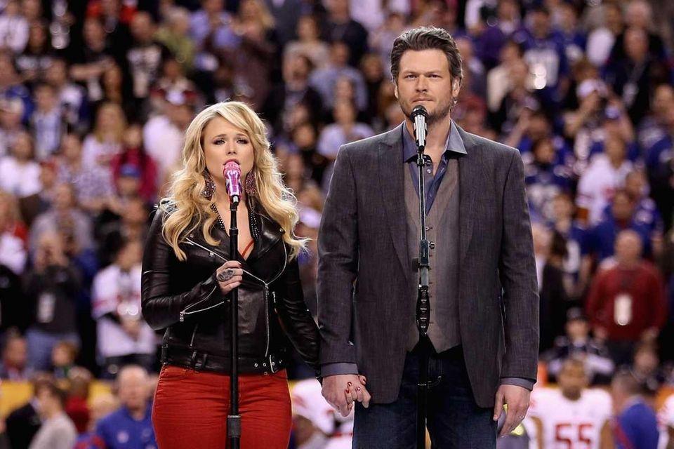 Country singers Miranda Lambert and husband Blake Shelton