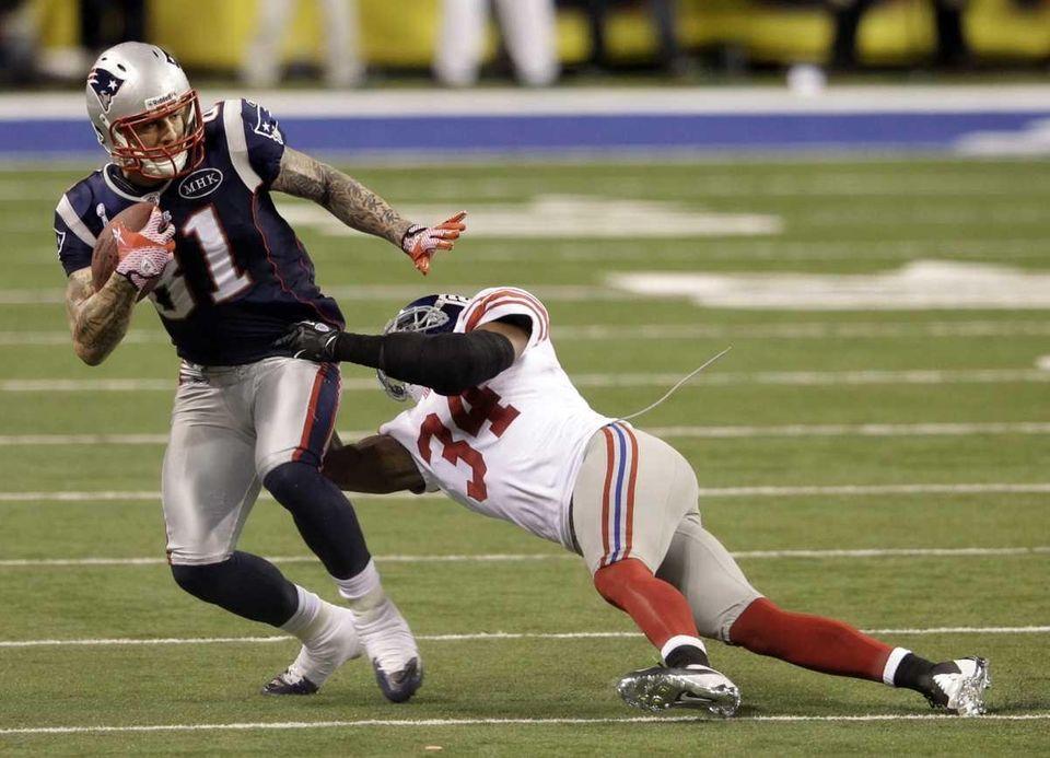 New England Patriots tight end Aaron Hernandez is