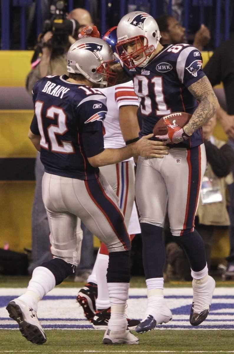 New England Patriots quarterback Tom Bradyand tight end