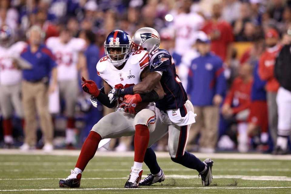 Hakeem Nicks of the New York Giants runs