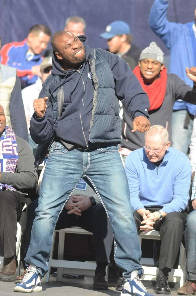 Brandon Jacobs dances on stage during the Giants