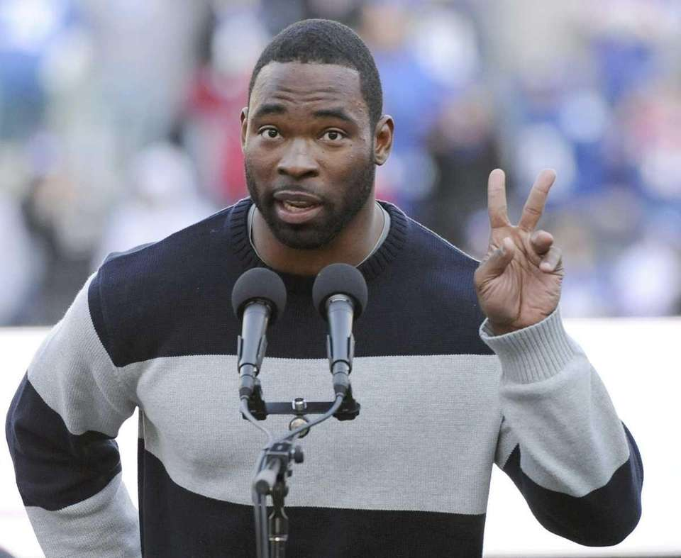 New York Giants' Justin Tuck speaks during a